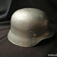 Militaria: CASCO ESPAÑOL PLATEADO. CREO QUE MODELO Z-42 / 79 PARA BOMBEROS. Lote 148098534