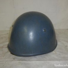 Militaria: ANTIGUO CASCO M-33 ITALIANO DE GUERRA CIVIL CON PINTURA GRIS TIPO CONDOR, ORIGINAL. TALLA 59.. Lote 154761722