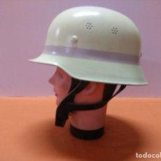 Militaria: CASCO ALEMAN DE BOMBERO M-34 LUMINISCENTE. Lote 171499649