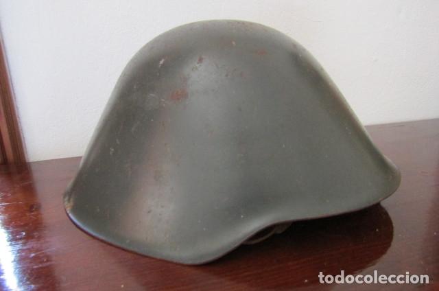 Militaria: Curioso antiguo casco uso militar de acero del ejercito alemán de la Alemania oriental comunista DDR - Foto 2 - 179088700