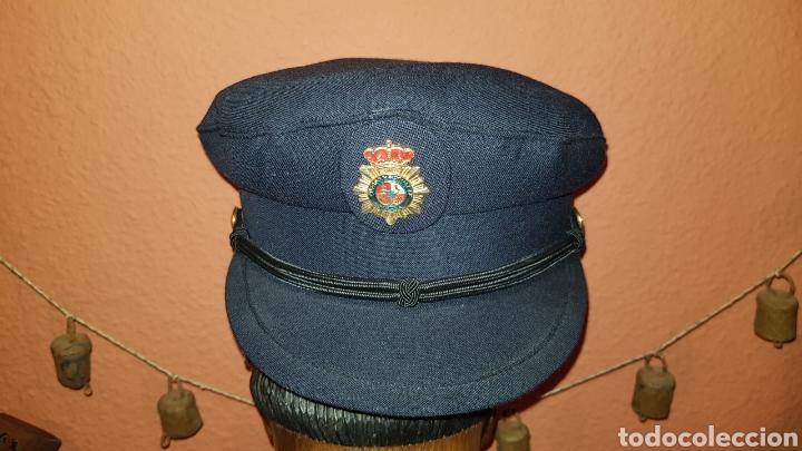 Militaria: ANTIGUA GORRA DE PLATO CUERPO NACIONAL DE POLICÍA CON RARO DISTINTIVO - Foto 5 - 184486622