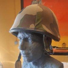 Militaria: AUTENTICO CASCO MILITAR. DE CAMUFLAJE. EN METAL. NO PLASTICO. MIMETIZADO, COMPLETA TU COLECCION. Lote 184908020