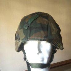 Militaria: INFANTERÍA DE MARINA, CASCO MARTE II, TALLA M CON FUNDA WOODLAND, NUEVO SIN USO. Lote 211420431