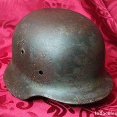 Militaria: ORIGINAL - STALHELM CASCO ALEMAN 35 - 42 - FABRICADO EN 1942 - ACERO - RESTO DE CALCA. Lote 202073651
