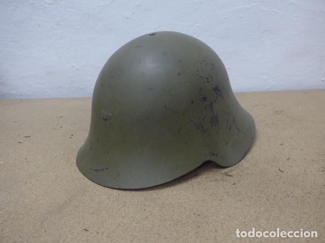 ANTIGUO CASCO MODELO AZAÑA DE GUERRA CIVIL, ORIGINAL, REUTILIZADO EN AÑOS 40. BUEN ESTADO. (Militar - Cascos Militares )