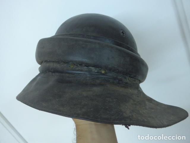 Militaria: Antiguo casco de tanquista español, original - Foto 7 - 213663476
