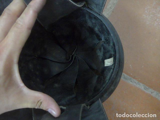 Militaria: Antiguo casco de tanquista español, original - Foto 9 - 213663476