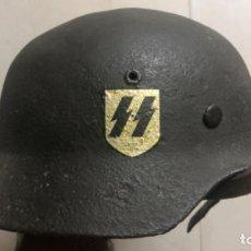 Militaria: CASCO ALEMAN SS ORIGINAL MODELO M35 2 CALCAS TALLA 59. Lote 219278901