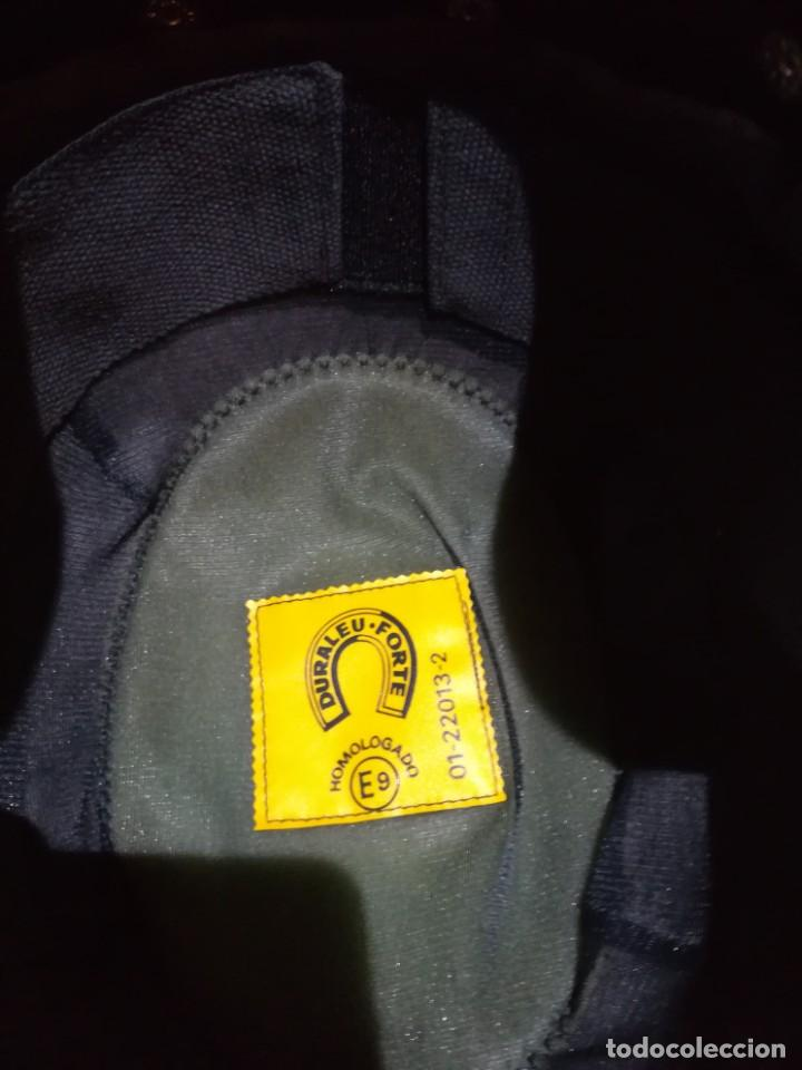 Militaria: Casco los grises completo con cogotera tranquismo policia armada transicion españa antidisturbios - Foto 12 - 222334532