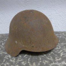 Militaria: ANTIGUO CASCO M-26 CON ALAS DE RECUPERACION GUERRA CIVIL, ORIGINAL.. Lote 224046785