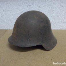 Militaria: ANTIGUO CASCO M-26 CON ALAS DE GUERRA CIVIL, ORIGINAL.. Lote 236299735