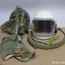 Militaria: ANTIGUO CASCO Y GORRO DE VUELO D PILOTO AVIADOR RUSO DE LA URSS COMUNISTA, GUERRA VIETNAM, AVIACION. Lote 236656795