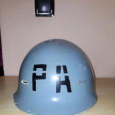 Militaria: CASCO DE PLASTICO POLICIA AEREA E.A. AÑOS 80. Lote 243309305