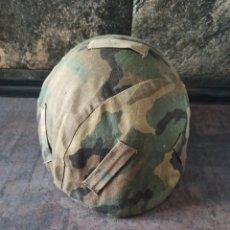 Militaria: FUNDA DE CASCO TALLA M AJUSTABLE MIMETIZADO BOSCOSO WOODLAND. Lote 262896475