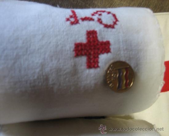 Militaria: Lote Sueco: 2 vendas, 1 insignia de ayuda a la República, almanaque de 1939 en sueco, ....... - Foto 2 - 8121334
