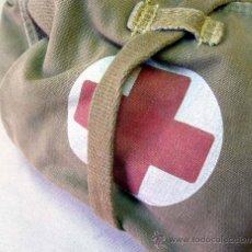 Militaria: MOCHILA MILITAR, CRUZ ROJA O BOTIQUIN, 1950S. Lote 30372063