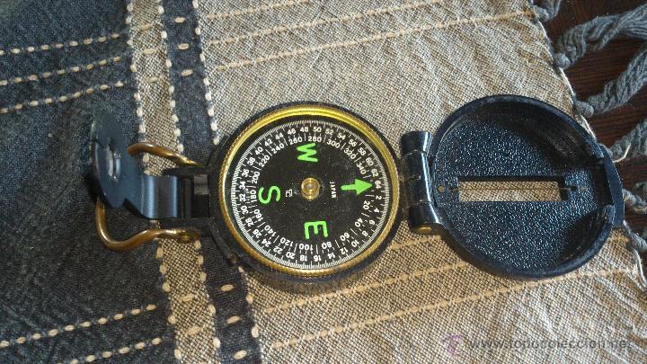BRÚJULA ENGINNER DIRECTIONAL COMPASS,CON LUPA. FUNCIONANDO. (Militar - Equipamiento de Campaña)