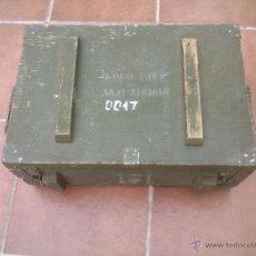 Militaria: ANTIGUA CAJA MILITAR DE MADERA Y METAL. Lote 49295904