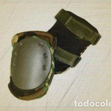 Militaria: ESTUPENDAS RODILLERAS TACTICAS DE CAMUFLAJE. Lote 82772082