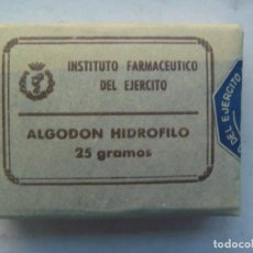 Militaria: FARMACIA ANTIGUA :INSTITUTO FARMACEUTICO DEL EJERCITO. FARMACIA MILITAR , CAJA ALGODON. SIN USAR. Lote 194236658