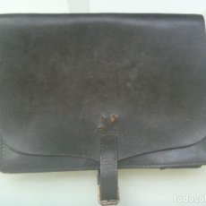 Militaria: CARTERA PORTADOCUMENTOS DE LA GUARDIA CIVIL SERVICO EN DESPOBLADO. ANTIGUA. Lote 100353575