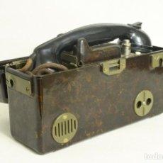 Militaria: TELEFONO DE CAMPAÑA SOVIETICO. PORTABLE EN CAJA DE BAQUELITA. 1950S. Lote 109520719