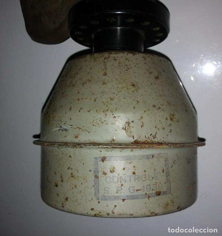 Militaria: Máscara de gas belga. L702. Segunda guerra mundial. Incluye funda metalica de transporte - Foto 5 - 123574243