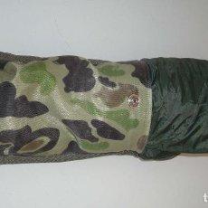 Militaria: ANTIGUO PONCHO-CHUBASQUERO T. 50. Lote 125469779