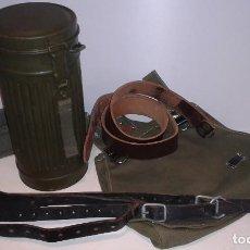 Militaria: GASMASKENDOSE BUNDESWEHR - IDENTICO AL DE LA WEHRMACHT + PANERA REPLICA WWII Y EXTRAS. Lote 140609418