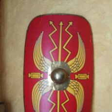 Militaria: ESCUDO LEGIONARIO ROMANO 91 CM X 58 CM. Lote 147240784