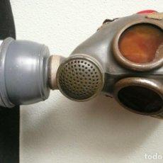 Militaria: ANTIGUA MASCARA DE GAS/ANTI GAS FRANCESA (AÑOS 40). Lote 169583568