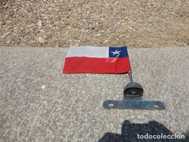 Militaria: Antiguo banderin para coche Bandera Chile soporte de hierro med 36 X 19,5 cm tela bandera 29 X 19 cm - Foto 4 - 172422884
