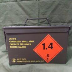 Militaria: CAJA METÁLICA VERDE VACÍA DE MUNICIÓN 30×15×18 CMS NUEVA. Lote 181341215