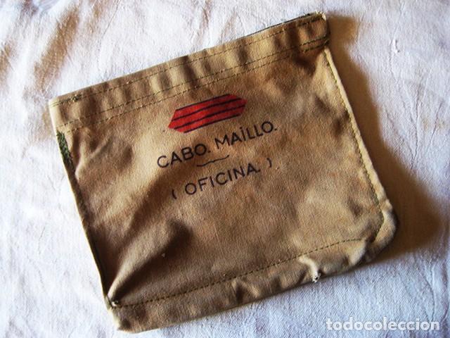 CARPETA PORTA-DOCUMENTOS MILITAR EN LONETA, COLOR 'GARBANZO' (REGULARES). AÑOS 70. ÉPOCA DE FRANCO (Militar - Equipamiento de Campaña)