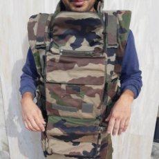 Militaria: IMPORTANTE CHALECO MILITAR. COMO NUEVO. ANTIBALAS. VER FOTOS. Lote 184094822