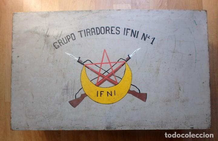 MALETA MILITAR,GRUPO DE TIRADORES DE IFNI Nº1 ,CON DIBUJOS EN LOS DOS LADOS . (Militar - Equipamiento de Campaña)