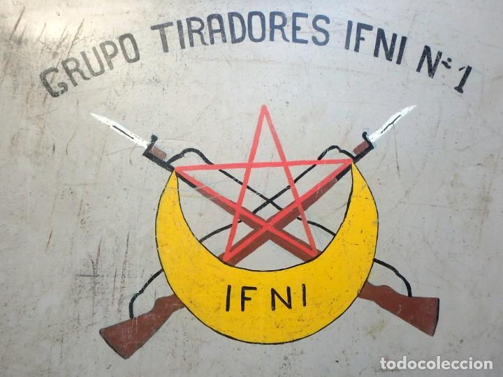Militaria: Maleta militar,Grupo de Tiradores de Ifni nº1 ,con dibujos en los dos lados . - Foto 2 - 190897321