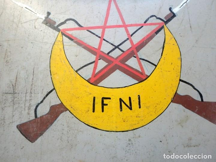 Militaria: Maleta militar,Grupo de Tiradores de Ifni nº1 ,con dibujos en los dos lados . - Foto 3 - 190897321