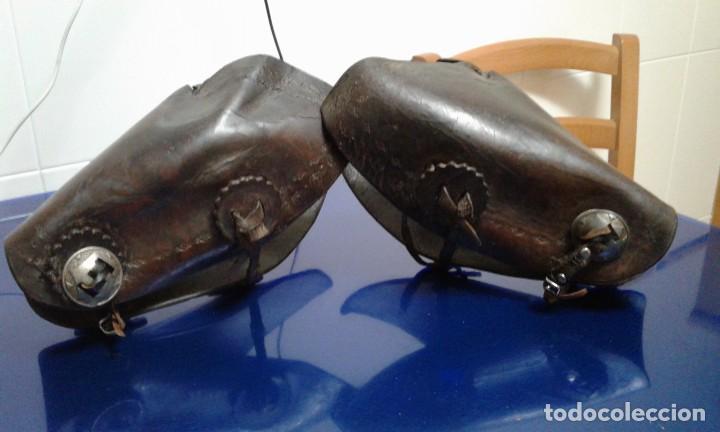 Militaria: Antiguos protectores de brazos de cuero,mangitos - Foto 4 - 194328130