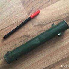 Militaria: TUBO PORTA DOCUMENTOS HOJALATA ALFONSINO. Lote 194934597