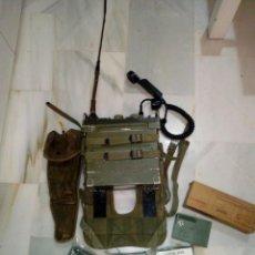 Militaria: RADIO PRC 77 COMPLETA Y FUNCIONANDO CON BATERIAS INFANTERIA DE MARINA Y VIETNAM. Lote 195513008