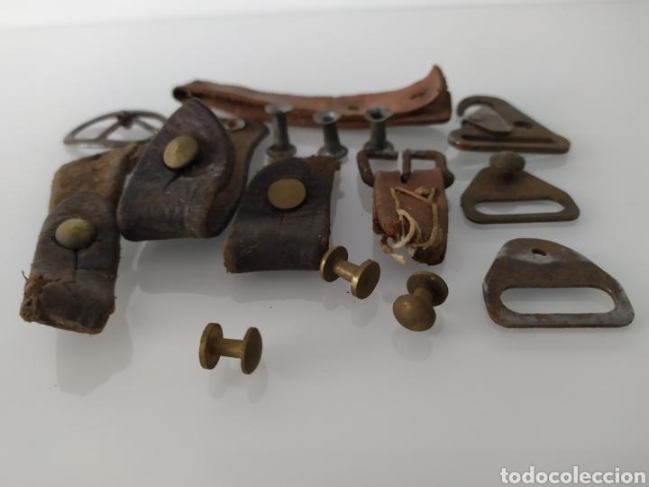 Militaria: Lote de restos de tetones, hebillas y correas para correa portafusil, tipo Cetme u otros. - Foto 16 - 199304117