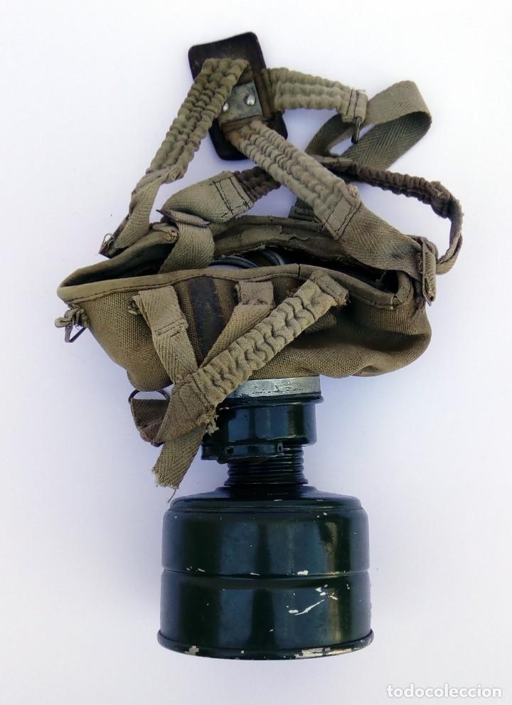 Militaria: ANTIGUA MÁSCARA EJÉRCITO MILITAR ANTIGÁS CON FILTRO Y CORREAS - Foto 2 - 217483435