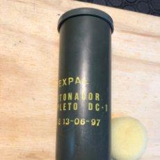 Militaria: TUBO VACÍO. EXPAL DETONADOR COMPLETO DC-1. AÑO 89. Lote 217600702