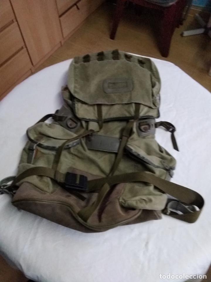 MOCHILA MILITAR DE GRAN CAPACIDAD -MARCA ALTUS POSETS- MUY ANTIGUA (MADE IN SPAIN). (Militar - Equipamiento de Campaña)