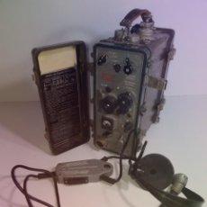 Militaria: FABULOSO RADIO PORTATIL TELEFONO CAMPAÑA EJERCITO AÑOS 60´S MUY RARO. Lote 247157460