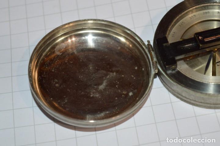 Militaria: Muy Antigua / Vintage - Brújula Compass / Caja metálica de bronce/latón niquelada - ¡Mira funciona! - Foto 4 - 253728700