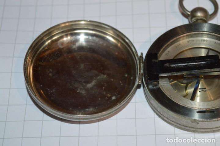 Militaria: Muy Antigua / Vintage - Brújula Compass / Caja metálica de bronce/latón niquelada - ¡Mira funciona! - Foto 6 - 253728700