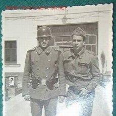 Militaria: FOTO DE MILITARES, AÑOS 60, 7 X 10 CMS.. Lote 22762044