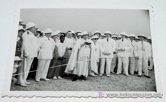 ANTIGUA FOTOGRAFIA ORIGINAL DE MILITARES ESPAÑOLES EN GUINEA ECUTORIAL, AÑOS 40 - MIDE 9 X 6,3 CMS. (Militar - Fotografía Militar - Otros)